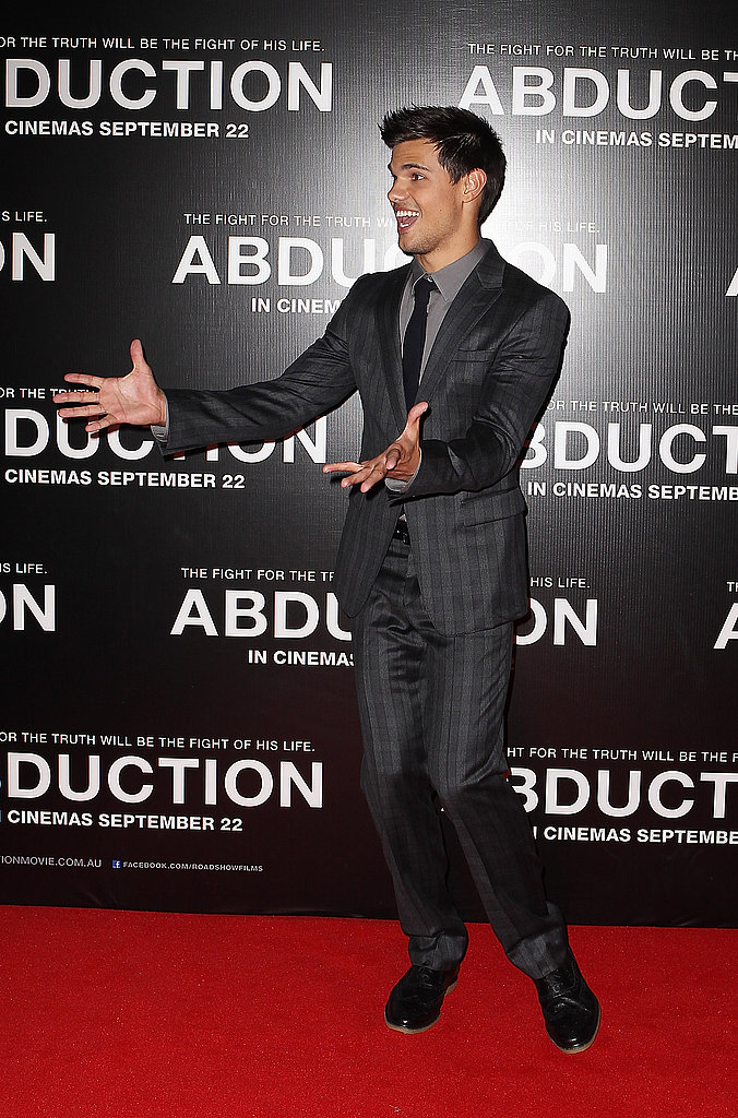 Taylor Lautner loosened up on the red carpet.