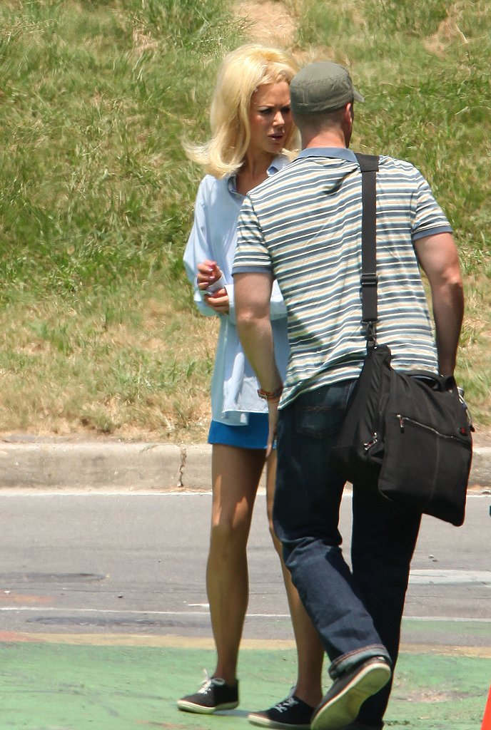 Nicole Kidman dressed down for her latest scene.