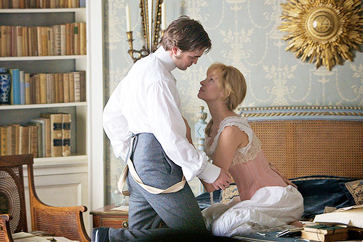 Robert Pattinson and Uma Thurman in Bel Ami.