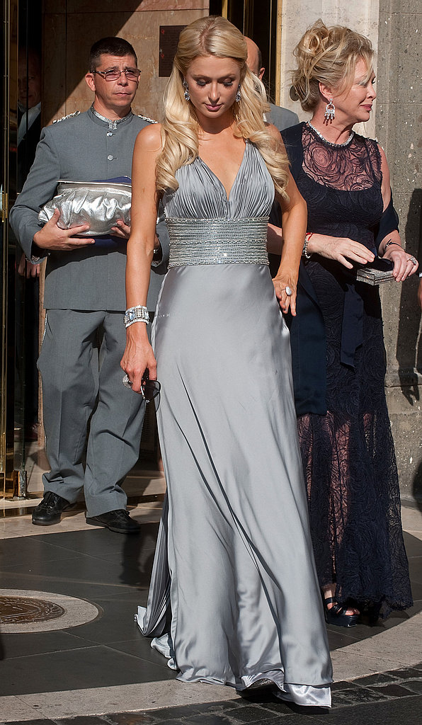 Paris Hilton chose gray for the sunset ceremony.