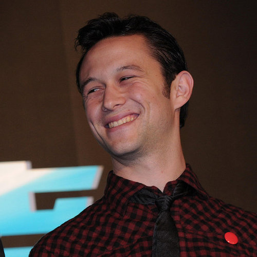 Joseph Gordon-Levitt Singing in French