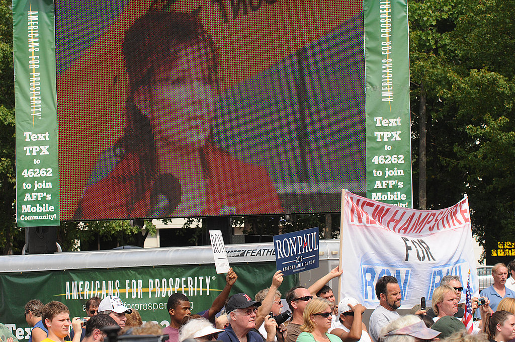 Sarah Palin draws a good-sized crowd.