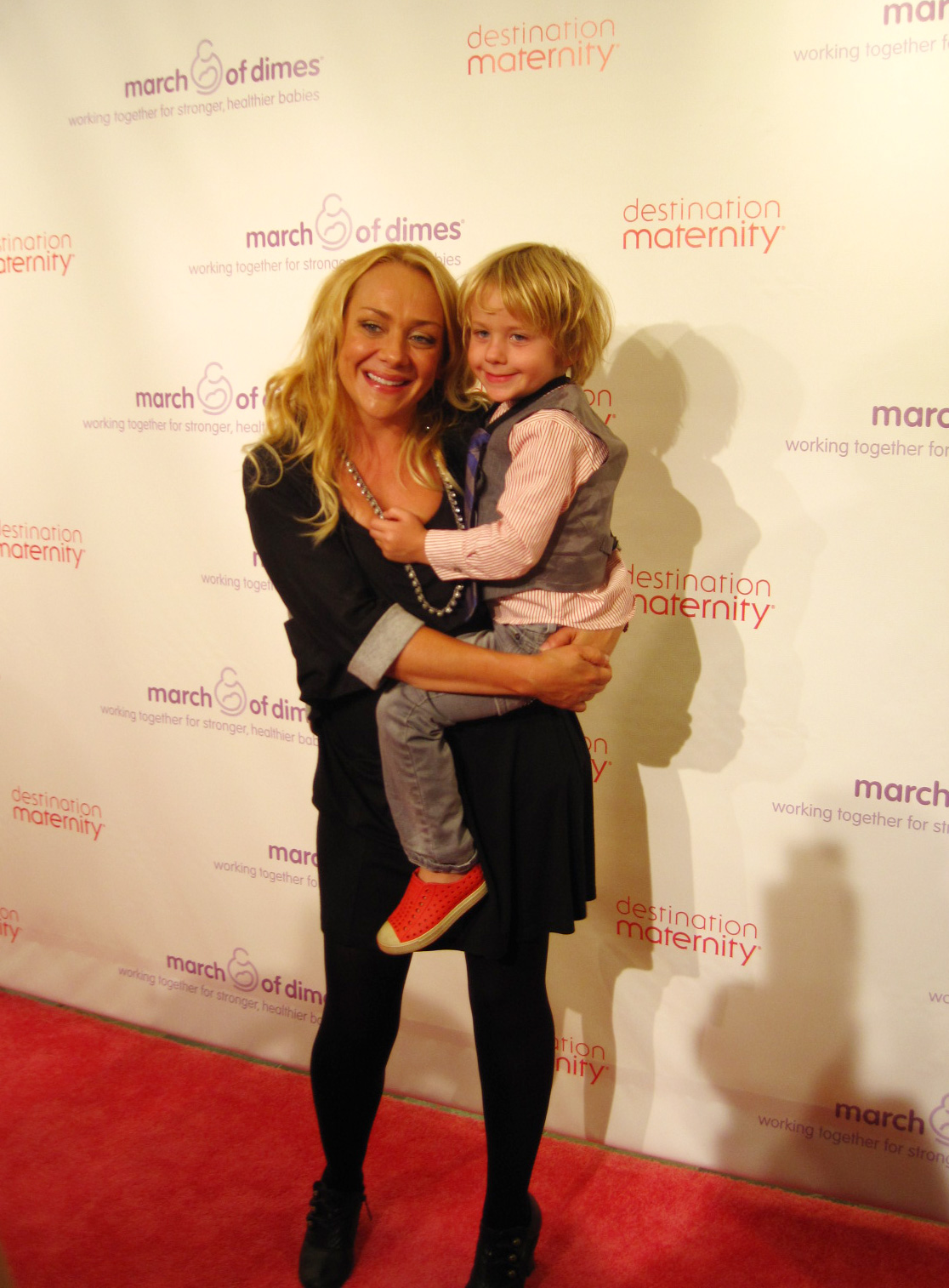 Comedian and mom of two Nicole Sullivan made a surprise appearance at Destination Maternity&#039;s FNO event — with her eldest son, Dashel Pierce, by her side.<br /> Source: Nicole Abbott