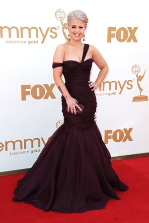 Kelly Osbourne looked sleek in black on the red carpet.