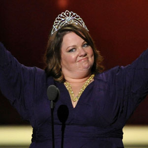 Melissa McCarthy Wins Emmy Beauty Pageant (Video)