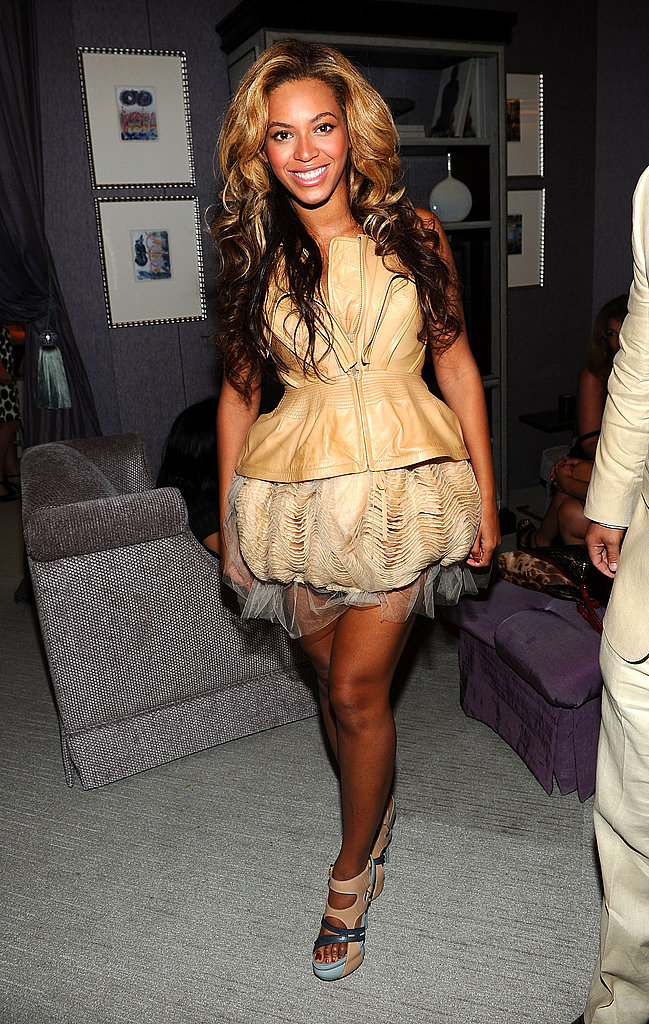 Beyonce wore a short dress to see Vera Wang and Rodarte.