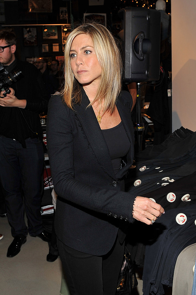 Jennifer wore all black to the Bloomingdale's clothing launch.