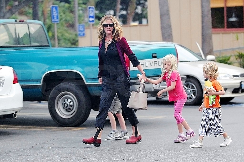 Julia Roberts and her kids.