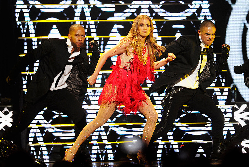 J Lo hit her sexy dance moves on stage.
