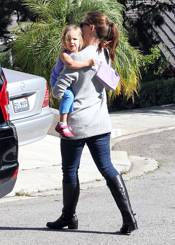 Pregnant Jennifer Garner carries Seraphina Affleck.