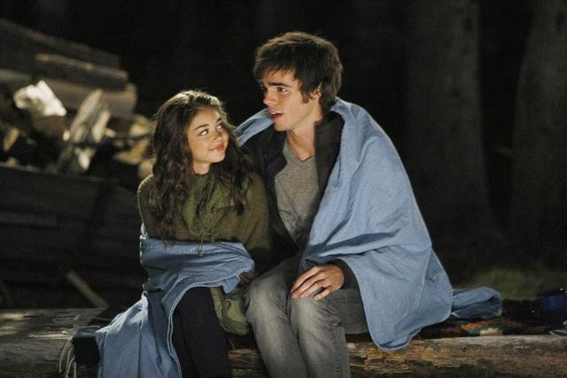 Sarah Hyland as Haley and Reid Ewing as Dylan on Modern Family.  Photo copyright 2011 ABC, Inc.