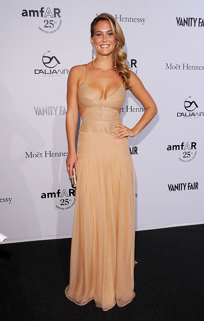 Bar Refaeli hit the carpet solo before the event.