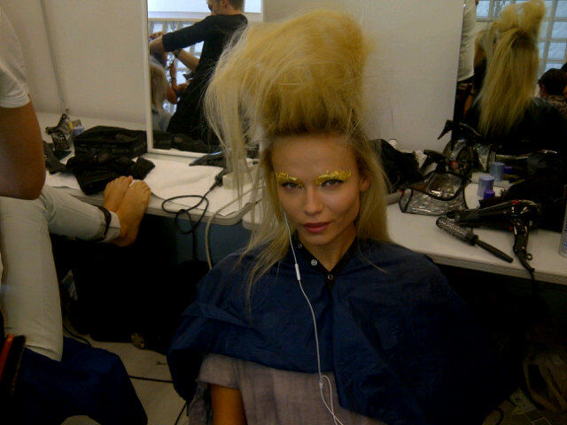 Natasha Poly showed off the makeup and hair backstage at Fendi. Twitter User: Poly_Natasha