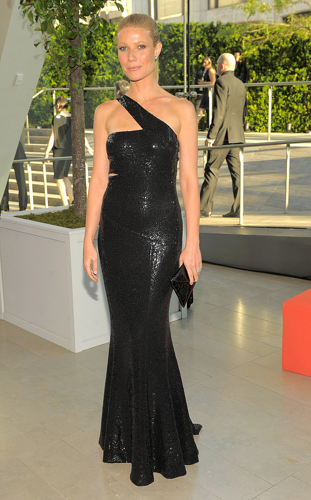 Shimmering in a body-con Michael Kors for the 2010 CFDA Awards.