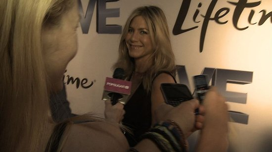 Video: Jennifer Aniston Celebrates Her Directing Gig With Justin Theroux and Tells Us Why She Loves New York!