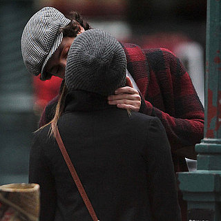 Penn Badgley and Zoe Kravitz Kissing Pictures