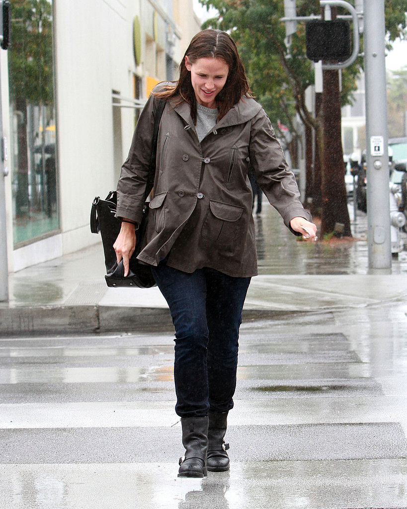Jennifer Garner had a happy day in LA.