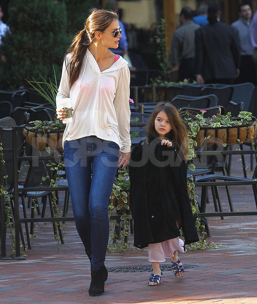 Katie Holmes and Suri Cruise made their way through Pittsburg.