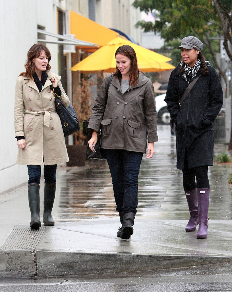 Jennifer Garner met friends for lunch.