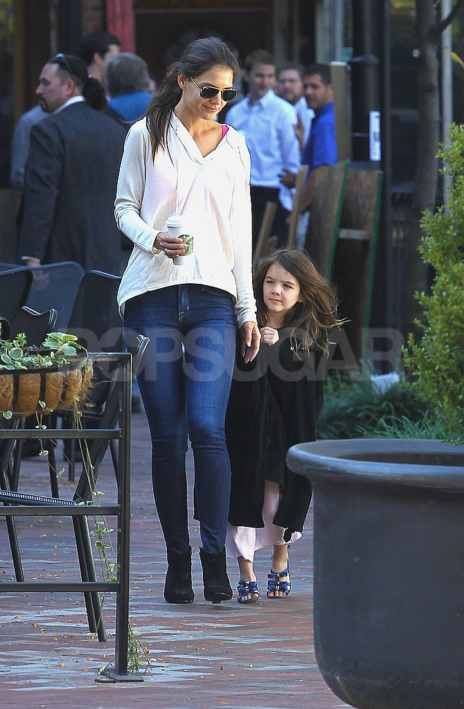 Suri Cruise ran to catch up with Katie Holmes in Pittsburg.