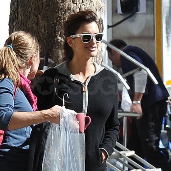 Penelope Cruz wore white sunglasses.