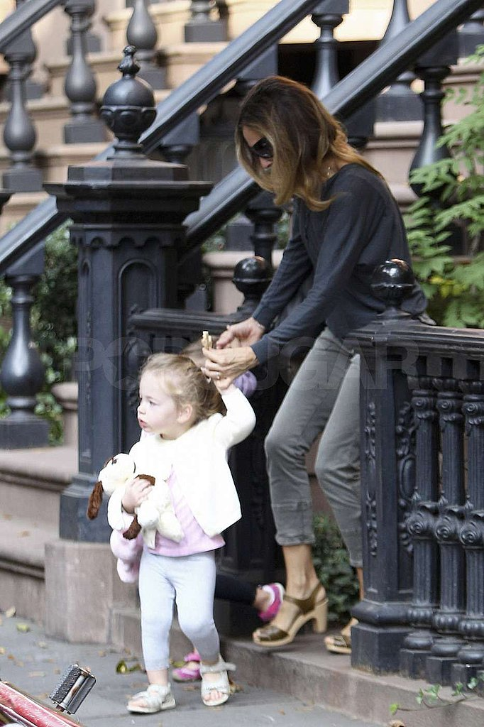 Sarah Jessica Parker helped Tabitha Broderick down the steps.