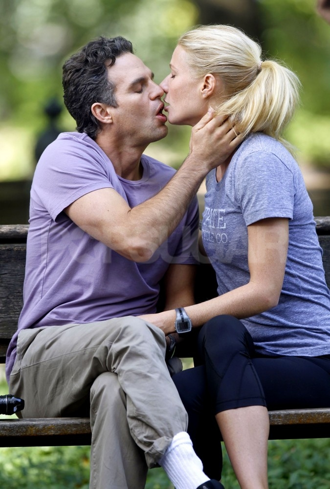 Mark Ruffalo leaned in for a kiss from Gwyneth Paltrow.
