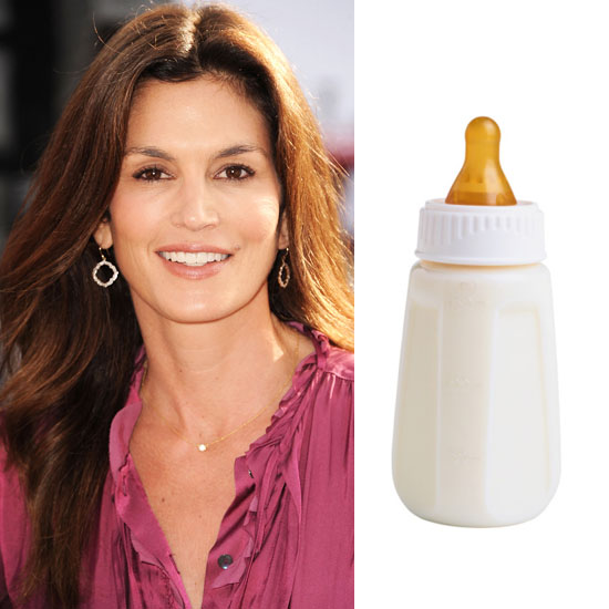 Cindy Crawford Washes her Face with Milk