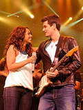 Alicia Keys took the stage with John Mayer in May 2008 to perform at Foxwoods.