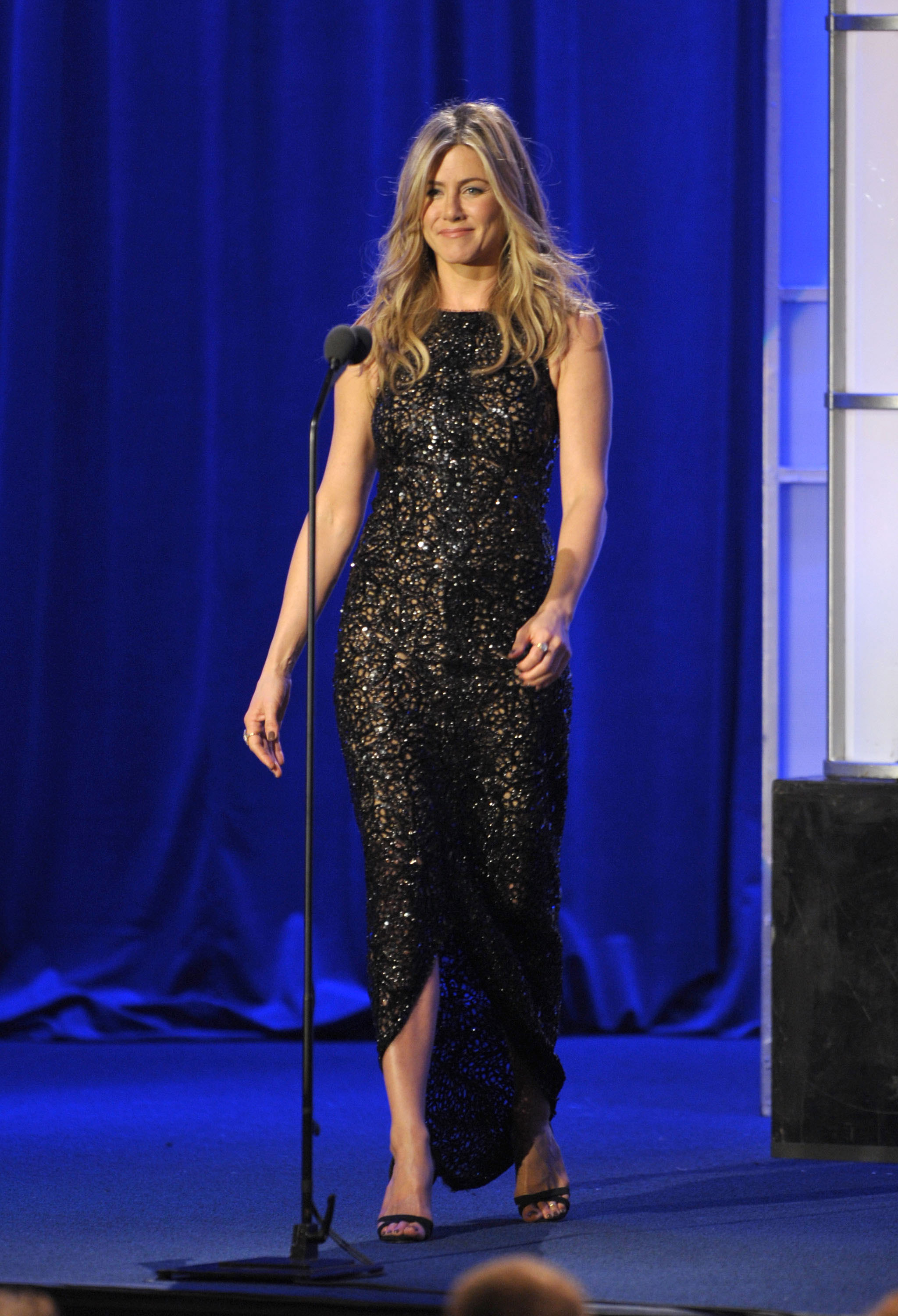 Jennifer's dress had a slit up the front.