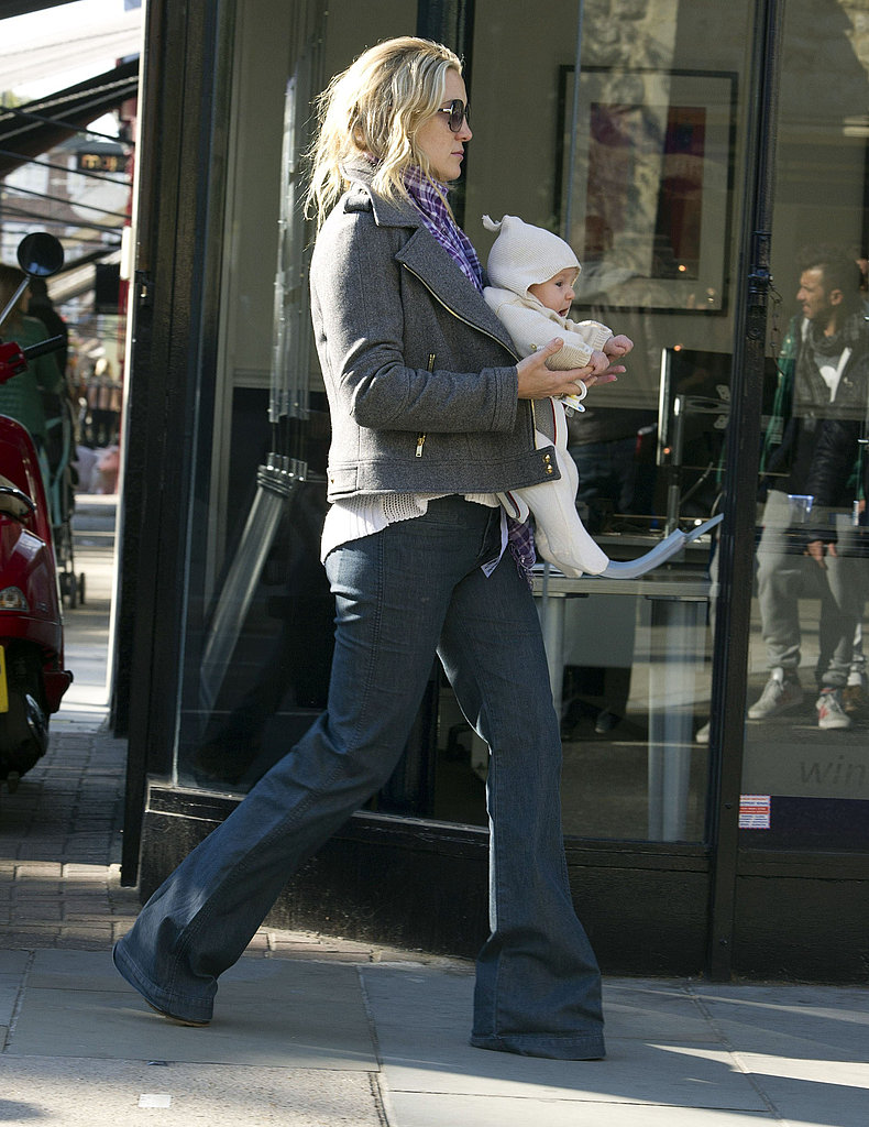 Kate Hudson carried Bing in London.