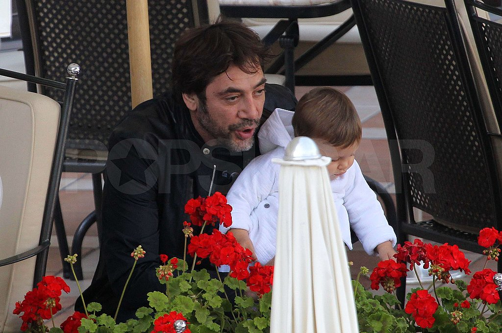 Javier Bardem kept Leo Bardem entertained.