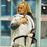 Kate Hudson with Bing at a NYC airport.