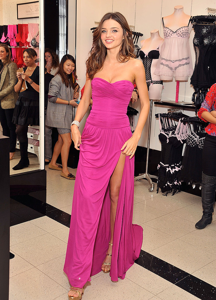 Miranda Kerr wore a high-slit dress.
