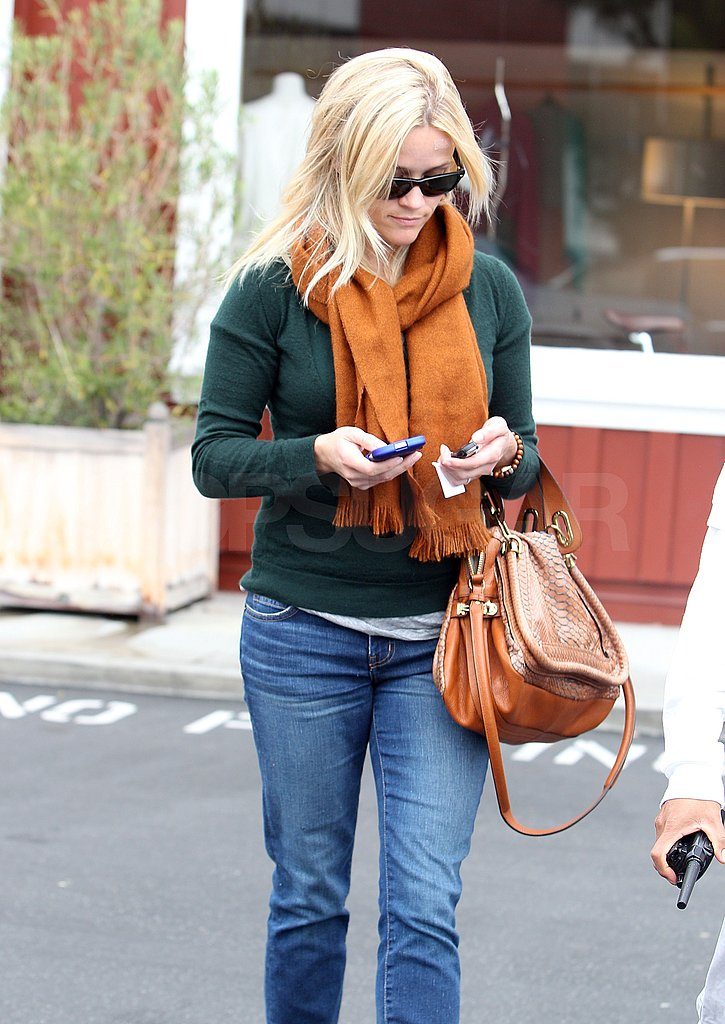 Reese popped in the Brentwood Country Mart to run errands.