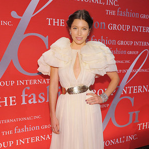 Jessica Biel Pictures in Pouffy Giambattista Valli Gown