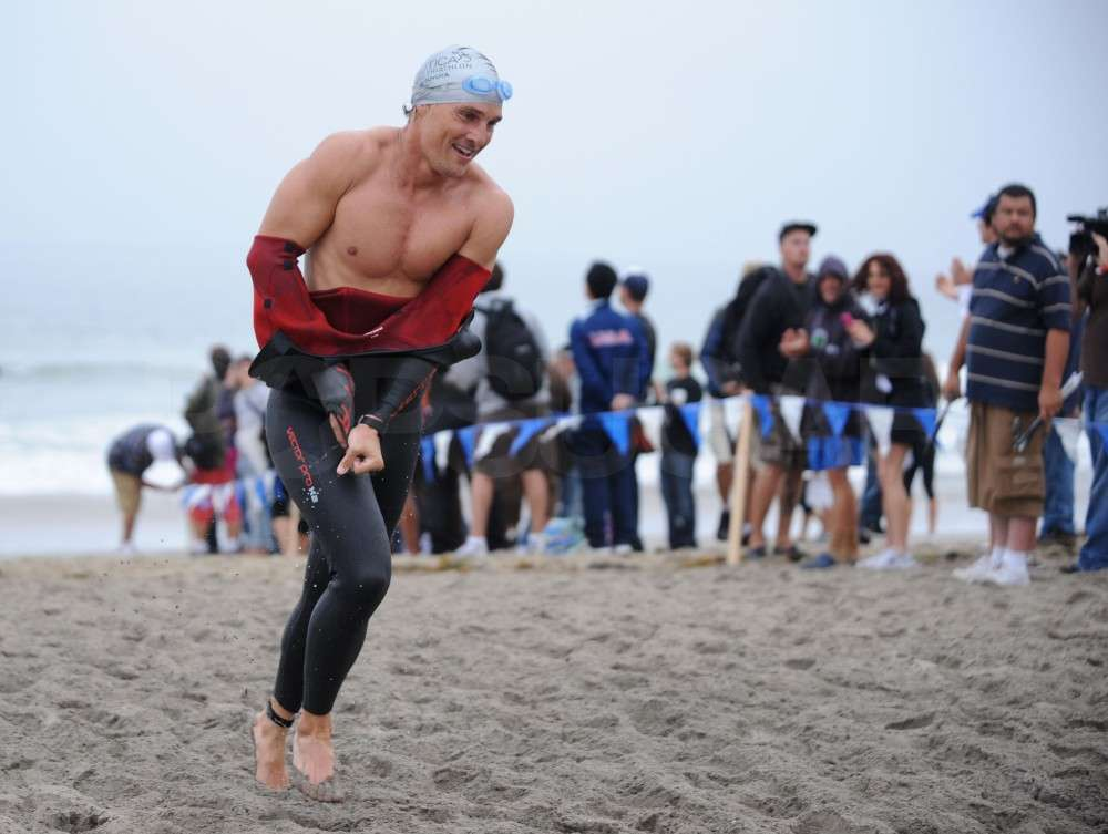 Matthew McConaughey stripped out of his wetsuit while participating in the September 2008 Nautica Malibu Triathlon.