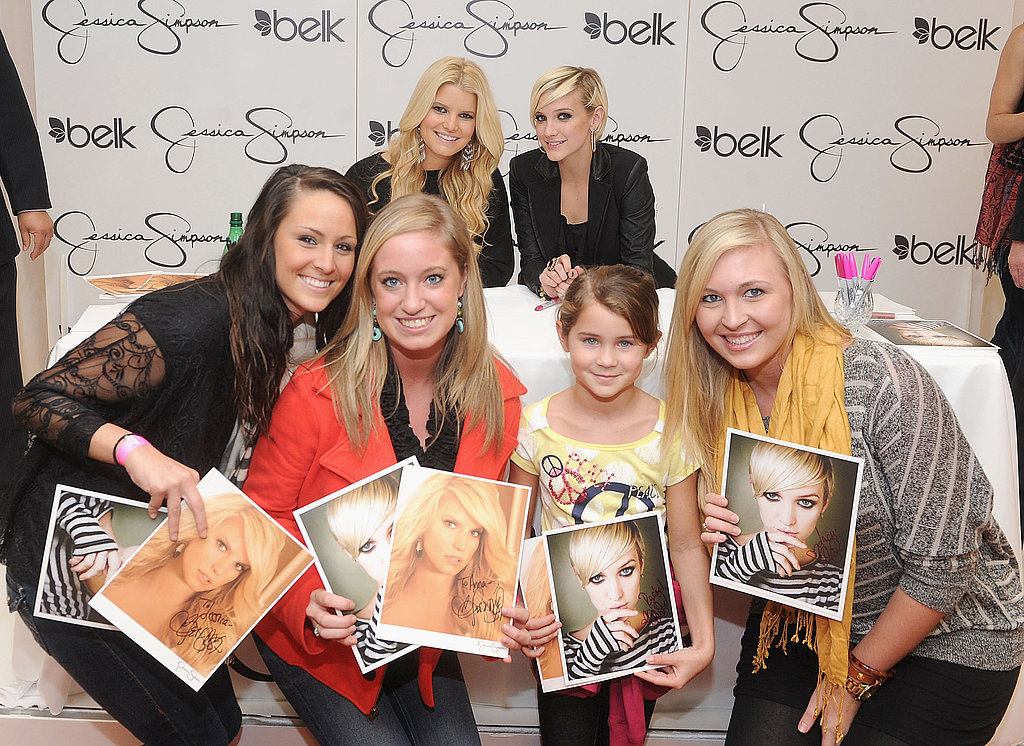 Jessica Simpson and Ashlee Simpson at an NC mall event.