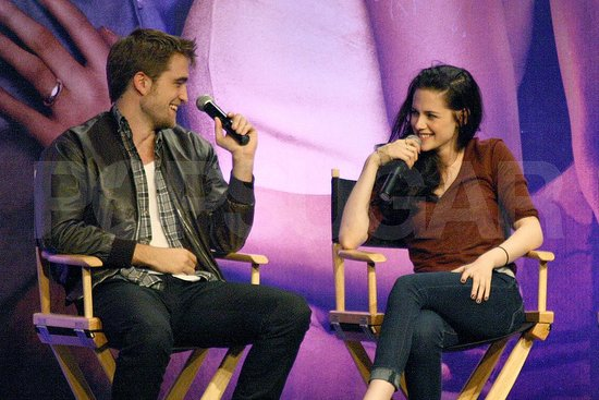 Robert Pattinson and Kristen Stewart at a Breaking Dawn Part 1 fan event.