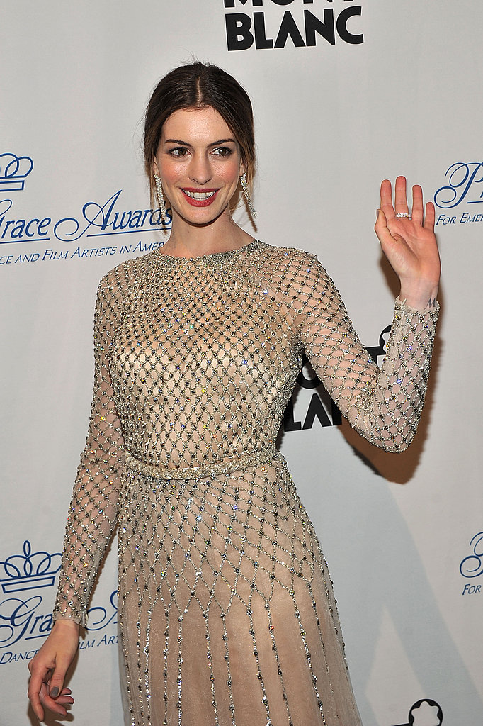 Anne Hathaway waved to fans at the 2011 Princess Awards Gala.