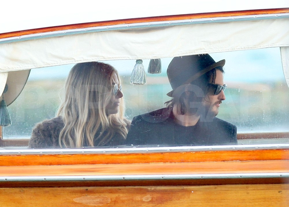 Sienna Miller and Tom Sturridge went on a boat tour of Venice.