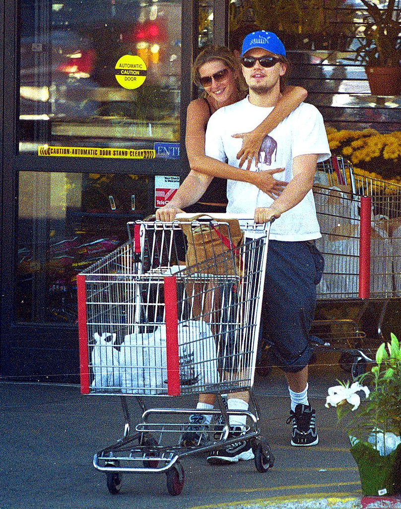 Leonardo DiCaprio and Gisele Bündchen were snapped cuddling and grocery shopping in 2001.