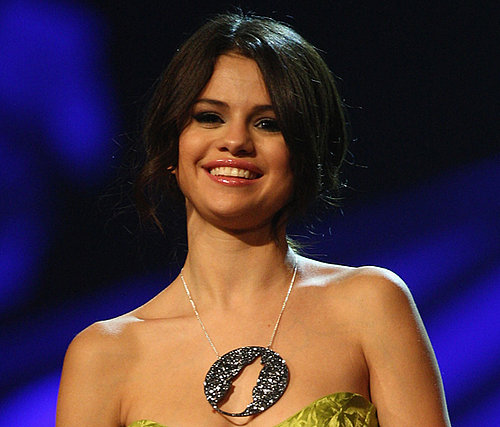 Selena Gomez's MTV Europe Music Awards Beauty Looks
