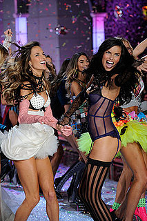 2011 Victoria's Secret Fashion Show [Pictures]