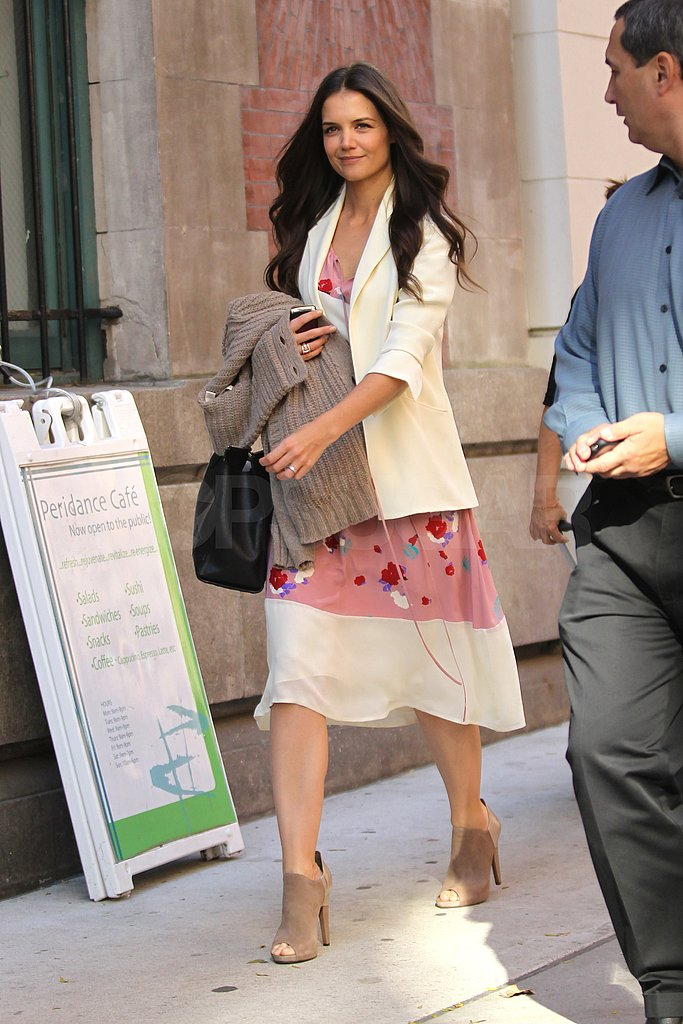 Katie looked chic in a flirty, floral dress for The Rachael Ray Show.