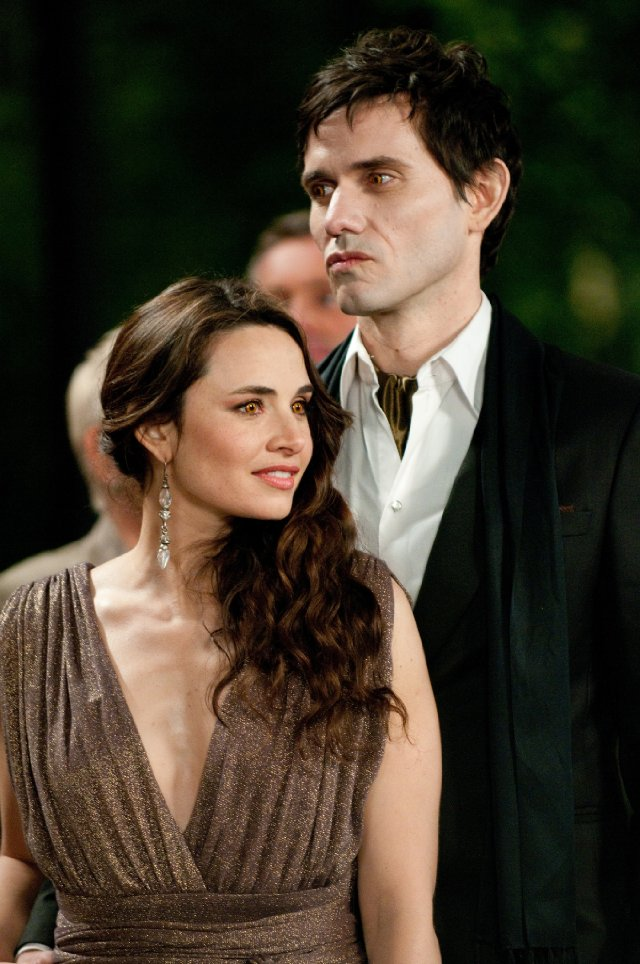 The Cullens aren't the only vampires we meet. The Denalis coven are considered cousins of the Cullens, since they too eat animal blood instead of human. Eleazar and his mate Carmen are amongst the Denali couples.