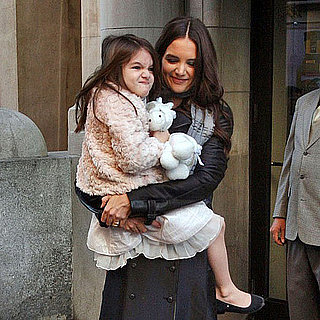 Suri Cruise and Katie Holmes Leaving Apartment Pictures