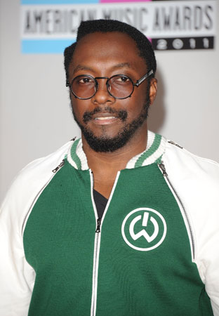 Will.i.am walked the red carpet without the Black Eyed Peas.