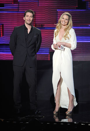 Jennifer Morrison and Matthew Morrison joked about sharing the same last name when they introduced an award together.