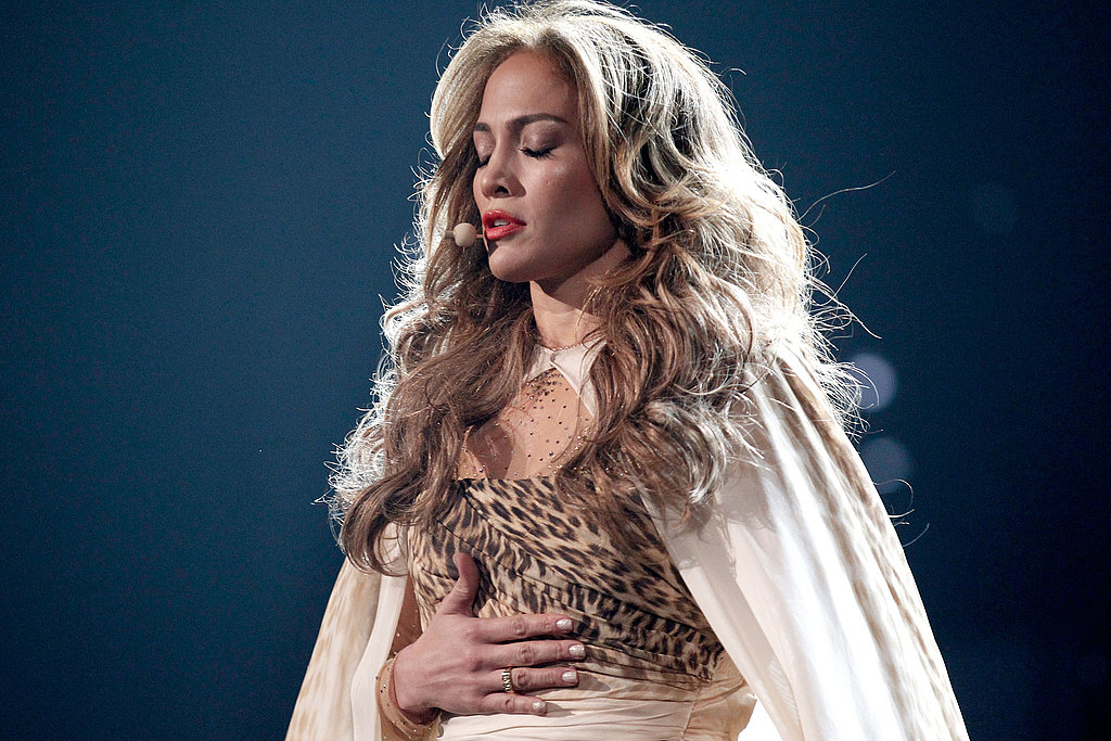 Jennifer Lopez had a soulful moment at the American Music Awards.